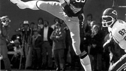 Steelers linebacker Jack Ham makes the catch, 1979.