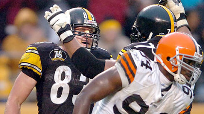 Tight end Heath Miller celebrates his fourth quarter touchdown with tackle Marvell Smith. (vs. Browns 11/11/07)