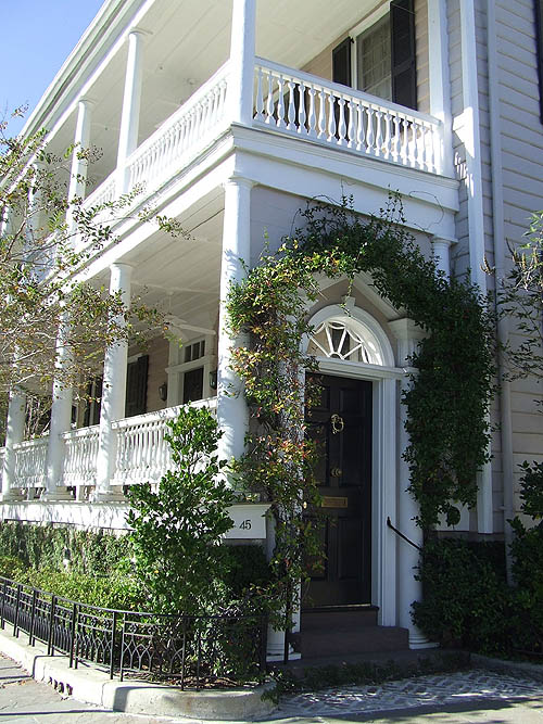Charm Of Charleston The City 39 S Appealing Homes Are Filled