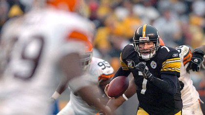 Quarterback Ben Roethlisberger scrambles up the middle for 30 yards and a touchdown in the fourth quarter. (vs. Browns 11/11/07)