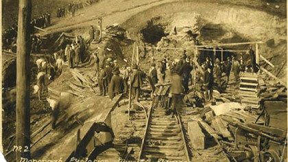 The scene outside the Monongah mine in West Virginia after the 1907 explosion.