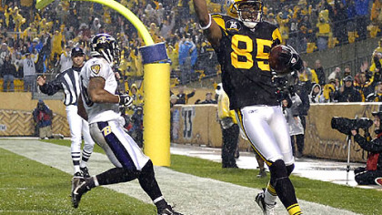 Wide receiver Nate Washington celebrates after scoring off a seven-yard pass from Roethlisberger in the second quarter.(vs. Ravens 11/05/07)