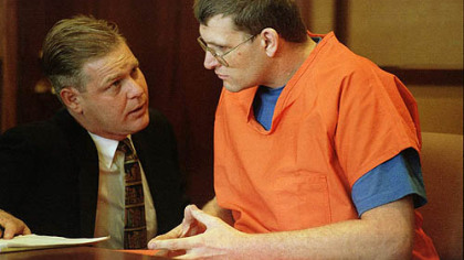 Keith Jesperson talks with his attorney, Tom Phelan, during a 1995 court hearing.