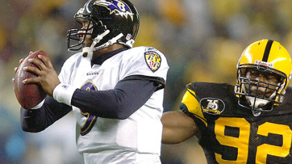 Linebacker James Harrison pressures Ravens quarterback Steve McNair.(vs. Ravens 11/05/07)
