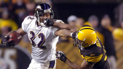 Defensive back Allen Rossum gets called for a facemask on Ravens running back Musa Smith in the second quarter.(vs. Ravens 11/05/07)