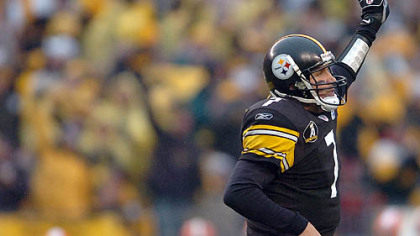 Quarterback Ben Roethlisberger celebrates after scoring on a 30-yard touchdown run in the 4th quarter. (vs. Browns 11/11/07)