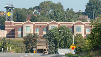  WPXI&#039;s new Summer Hill facility is visible from I-279.