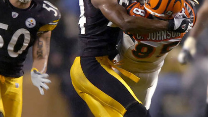 Ike Taylor prevents Bengals receiver Chad Johnson from making a catch in the first quarter last night at Heinz Field. (vs. Bengals 12/02/2007)
